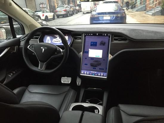 Name: Tesla-Model-Xa-114765.jpg Größe: 1024x768 Dateigröße: 167098 Bytes