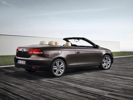 Name: VW-Eos-Facelift-2010-Heck.jpg Größe: 462x347 Dateigröße: 25480 Bytes