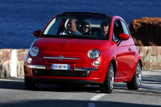Name: Fiat500-11.jpg Größe: 1000x667 Dateigröße: 464448 Bytes
