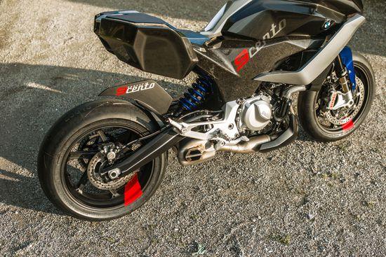 Name: P90305948_highRes_bmw-motorrad-concept.jpg Größe: 1920x1280 Dateigröße: 785030 Bytes