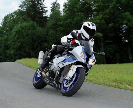Motorrad - Motorräder schwer in Fahrt