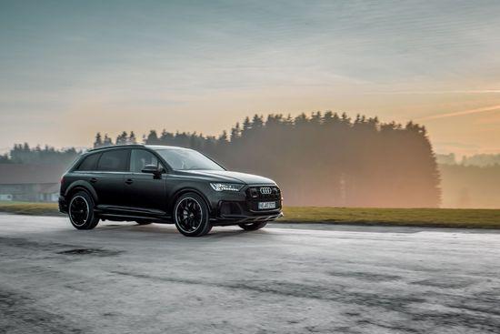 Name: Audi_SQ7_Facelift_GR22_schwarz-7.jpg Größe: 1920x1281 Dateigröße: 201659 Bytes
