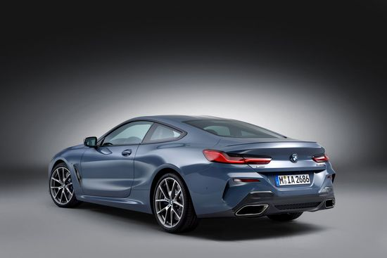 Name: P90306647_highRes_the-all-new-bmw-8-se.jpg Größe: 1280x853 Dateigröße: 85887 Bytes