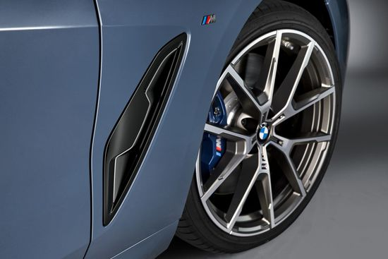 Name: P90306652_highRes_the-all-new-bmw-8-se.jpg Größe: 1280x853 Dateigröße: 107776 Bytes