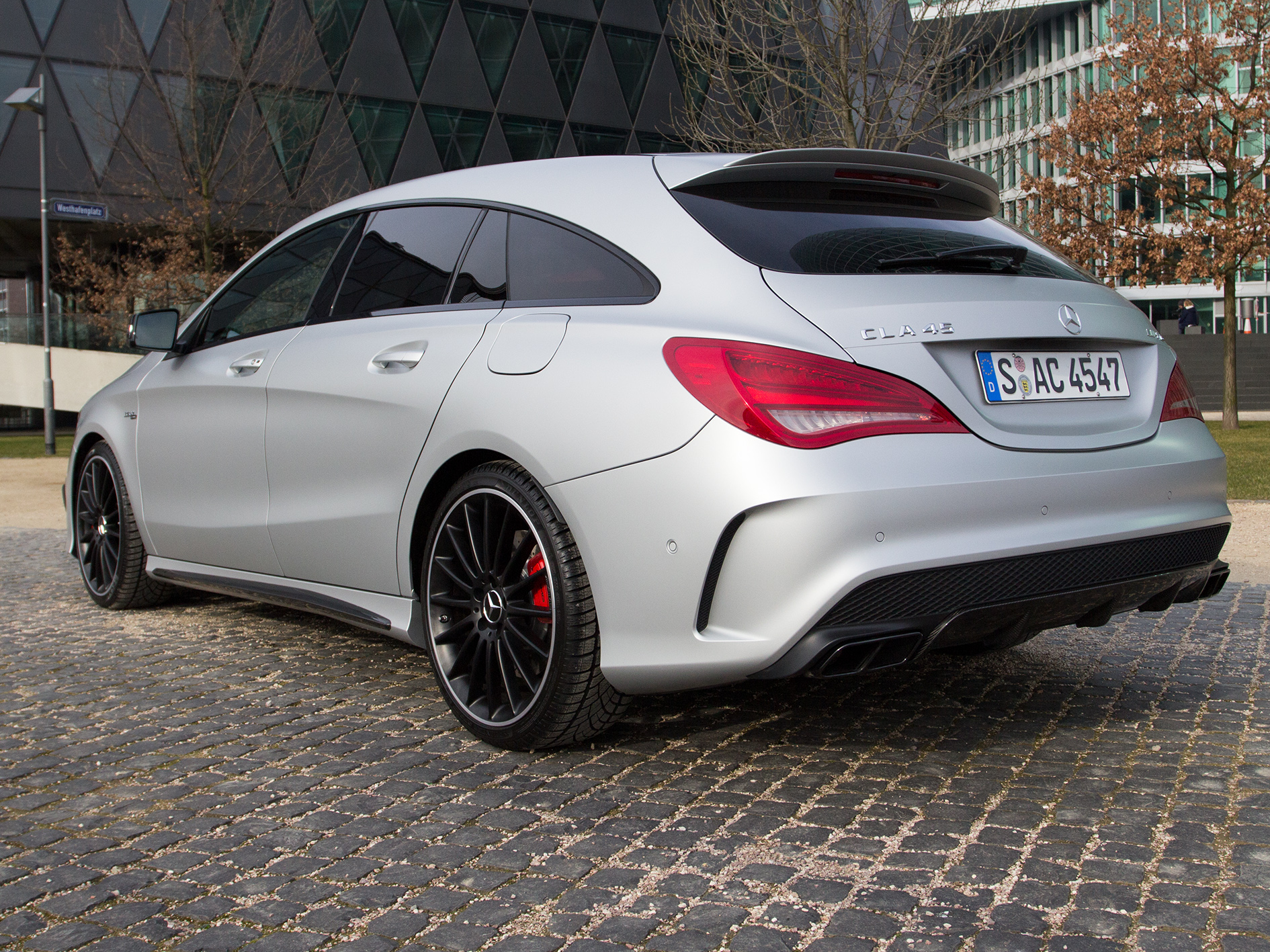 video fahrbericht mercedes cla 45 amg shooting brake. Black Bedroom Furniture Sets. Home Design Ideas