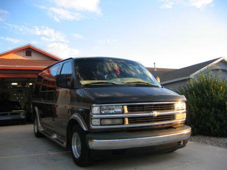 Name: Chevrolet-Express_Van2.jpg Größe: 450x337 Dateigröße: 31911 Bytes