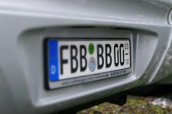Auto - Saisonkennzeichen immer beliebter