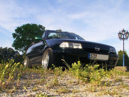 Name: Opel-Astra_-F-_Cabrio_Bertone.jpg Größe: 450x337 Dateigröße: 55197 Bytes