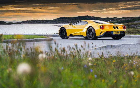 Name: neues-video-ford-gt-auf-der-atlantikstrasse-in-norwegen-inklusive-rekordfahrt-auf-noerdlichster-renn1.jpg Größe: 710x446 Dateigröße: 96462 Bytes