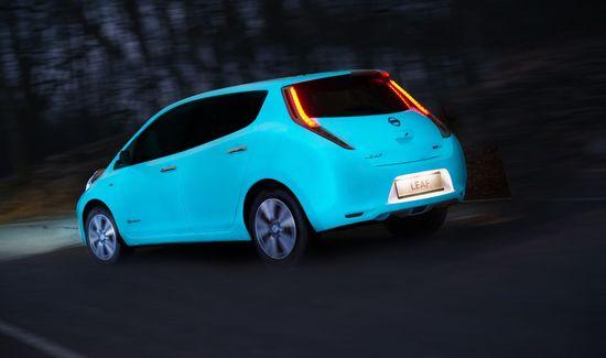 Auto - Nissan bringt den Leaf zum Leuchten