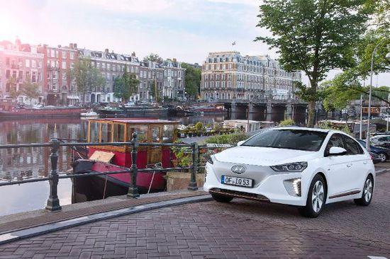 Elektro + Hybrid Antrieb - Hyundai Ioniq Elektro: Der saubere Champion