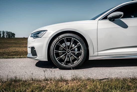 Name: Audi_A6_allroad_GR_20_mattblack_Vorderwagen.jpg Größe: 1920x1281 Dateigröße: 483534 Bytes