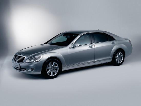 Name: Auto_Mercedes-Benz_Guard_Mercedes_S600_006566_.jpg Größe: 1024x768 Dateigröße: 118756 Bytes