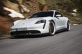 Erlkönige + Neuerscheinungen - Kostenloses Software-Update für Porsche Taycan der ersten Stunde