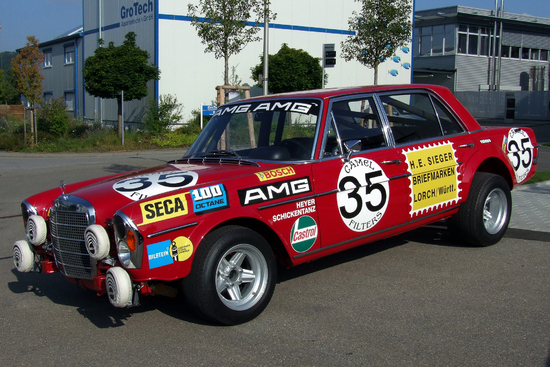Name: 1_Mercedes-Benz_300SEL_68_AMG_Rote_Sau_Foto_Thilo_Parg_Wikimedia_Commo1.jpg Größe: 2000x1333 Dateigröße: 2700768 Bytes