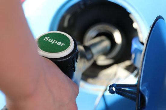 Auto - Mehr Durst durch Super E10?