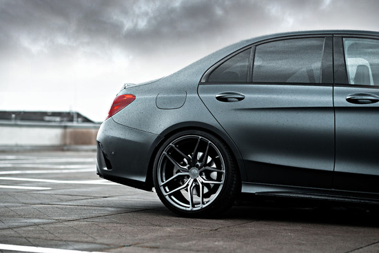 Name: Mercedes-C43-Sedan-ZP21-GLM-04.jpg Größe: 1200x800 Dateigröße: 193430 Bytes