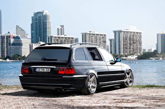 Name: BMW_320d6.jpg Größe: 2500x1661 Dateigröße: 2918684 Bytes