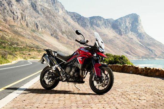 Motorrad - Tiger 900 auf dem Sprung