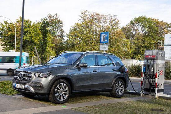 Elektro + Hybrid Antrieb - Mercedes GLE stromert noch weiter