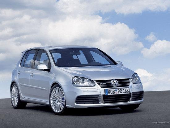 Name: VW_golf_R32125.jpg Größe: 1600x1200 Dateigröße: 229929 Bytes