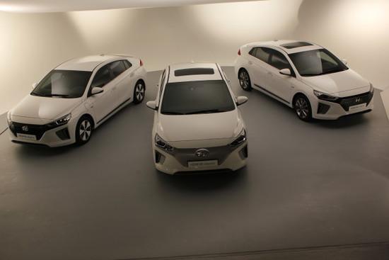 Name: mid-Wiesbaden-Eine-Idee-drei-Autos-Hyundai-bria-213142-600x400.jpg Größe: 600x400 Dateigröße: 51307 Bytes