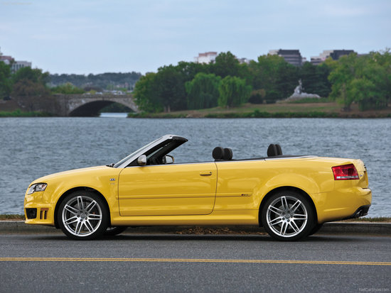 Name: Audi-RS4_Cabriolet_2008.jpg Größe: 1600x1200 Dateigröße: 315997 Bytes