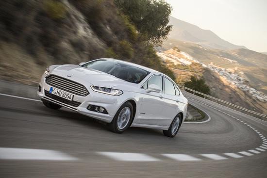 Name: FordMondeo-Hybrid_08.jpg Größe: 2938x1959 Dateigröße: 2096715 Bytes