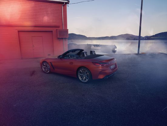 Name: P90317030_highRes_the-new-bmw-z4-roads.jpg Größe: 1920x1443 Dateigröße: 335069 Bytes