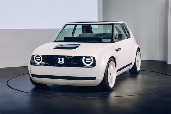Messe + Event - Genf 2018: Honda mit CR-V Hybrid und zwei E-Studien