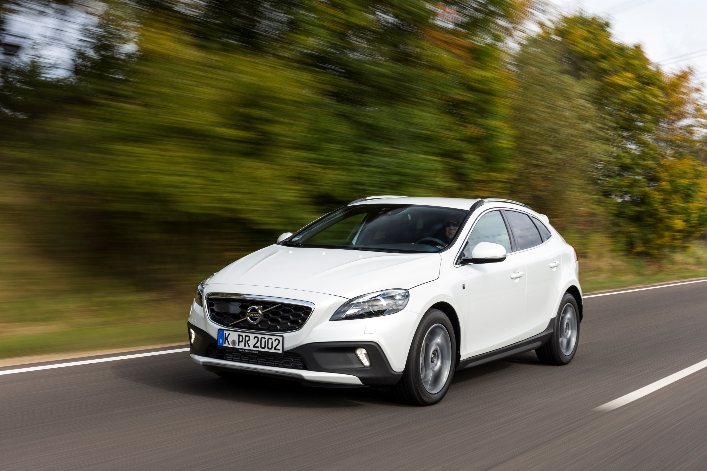 volvo v40 cross country t5 awd erstes modell mit drive e. Black Bedroom Furniture Sets. Home Design Ideas