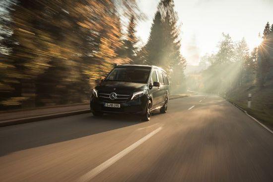 Erlkönige + Neuerscheinungen - Camping mit Glamour: Auf Tour mit dem Mercedes Marco Polo