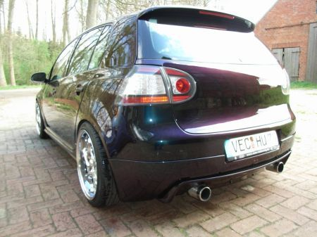 Name: VW-Golf_5_20_TDI10.jpg Größe: 450x337 Dateigröße: 53564 Bytes