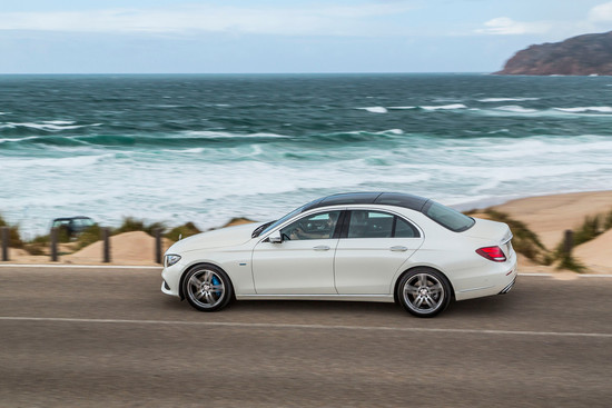 Name: Mercedes-Benz-E-350ea-113986.jpg Größe: 1024x683 Dateigröße: 160647 Bytes
