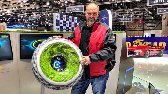 Felgen + Reifen - [ Video]    Genf 2018: Weltpremiere des Goodyear Oxygene - dem Reifen mit Moos