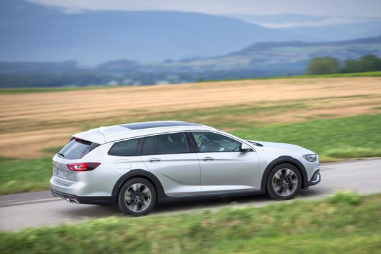 Name: Opel-Insignia-Country-Tourer-500215.JPG Größe: 1280x853 Dateigröße: 186124 Bytes
