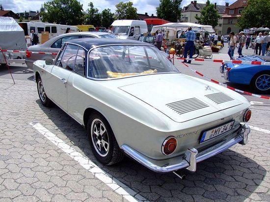 Name: 800px-VW_1600_L_KarmannGhia_2.JPG Größe: 800x600 Dateigröße: 132401 Bytes