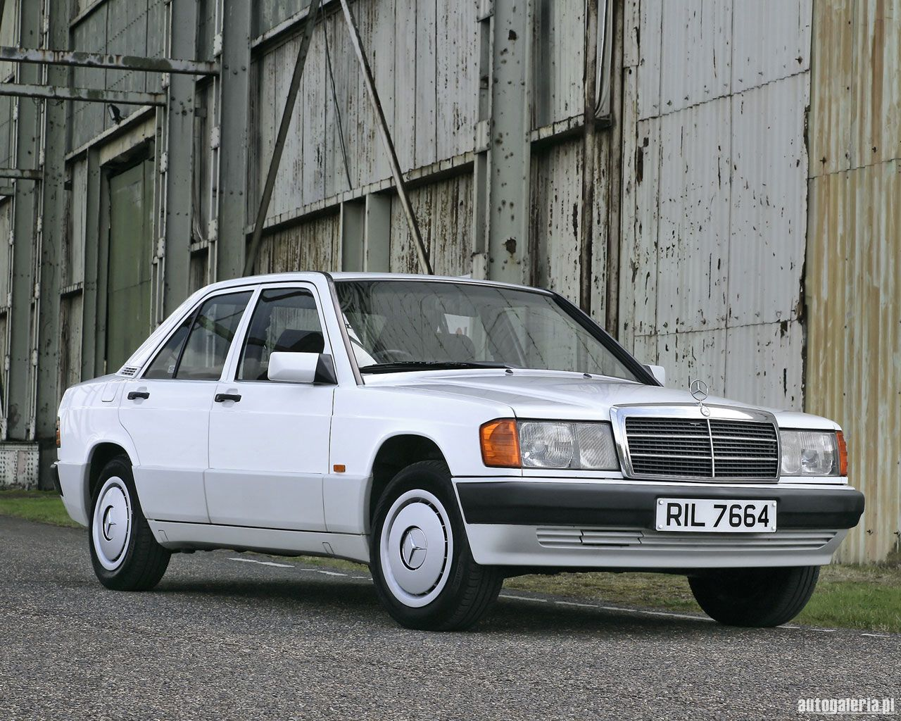 Suche nach mercedes benz e 190 deine for Mercedes benz search