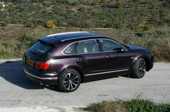 Name: Bentley-Bentaygaa-108922.jpg Größe: 1024x678 Dateigröße: 282559 Bytes