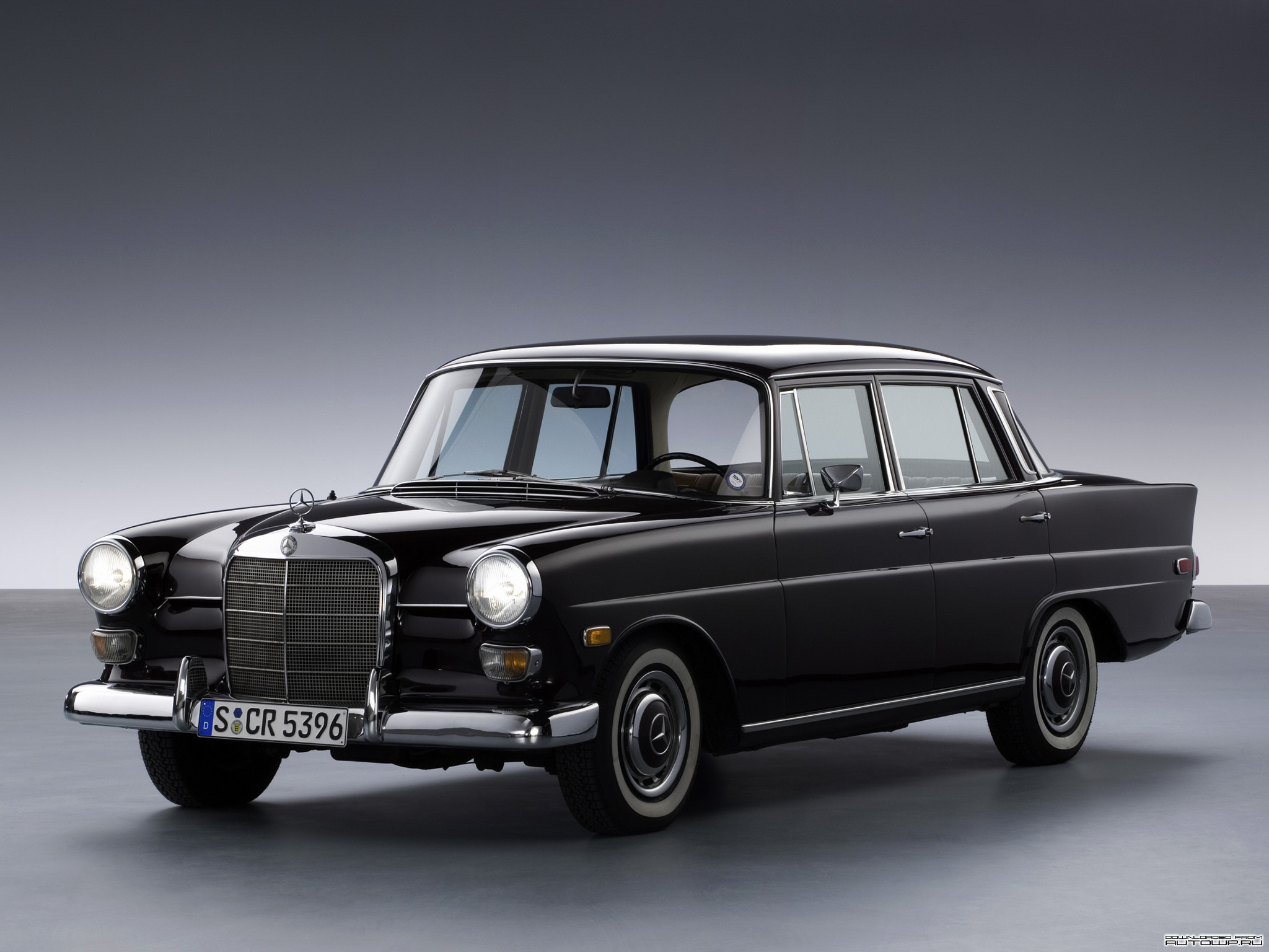 mercedes benz w211 e klasse tuning chefcars deine automeile im netz. Black Bedroom Furniture Sets. Home Design Ideas