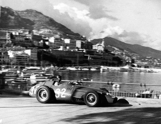 Name: TCE_2017_Maserati-250_Fangio_MonteCarlo-1957.jpg Größe: 3425x2633 Dateigröße: 608771 Bytes