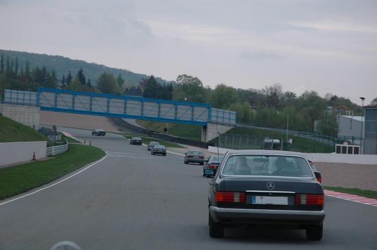 Name: S-Club_Sachsenring.JPG Größe: 1504x1000 Dateigröße: 174459 Bytes