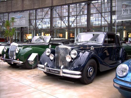 Name: 16-Jaguar_MK_V_und_Daimler_Cabriolet.JPG Größe: 2848x2136 Dateigröße: 1440983 Bytes