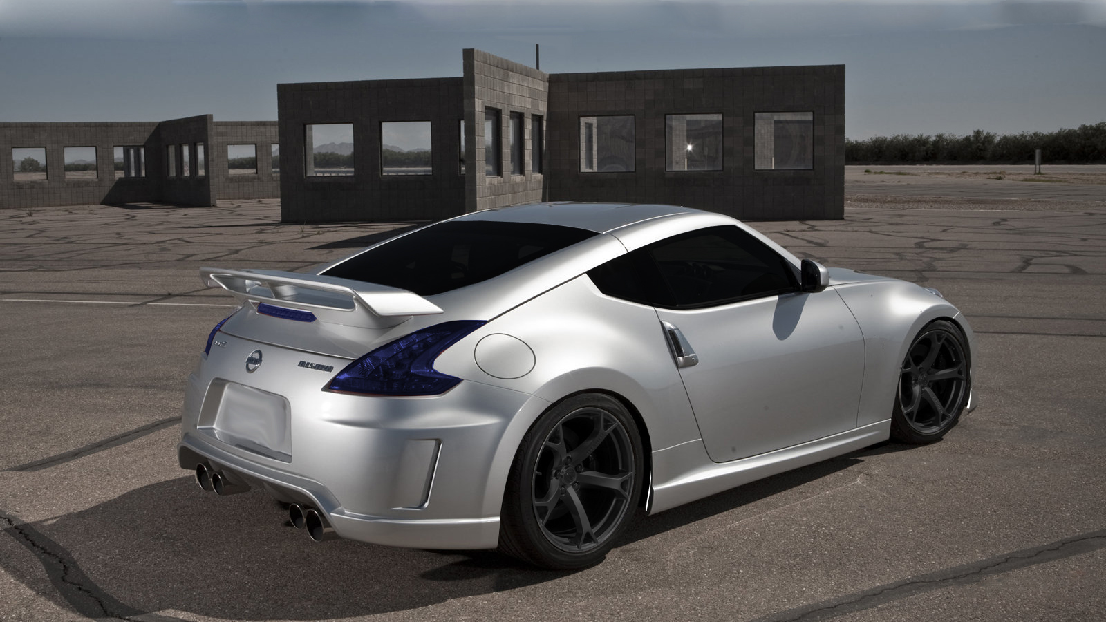 nissan 370z nismo r tune power deine. Black Bedroom Furniture Sets. Home Design Ideas