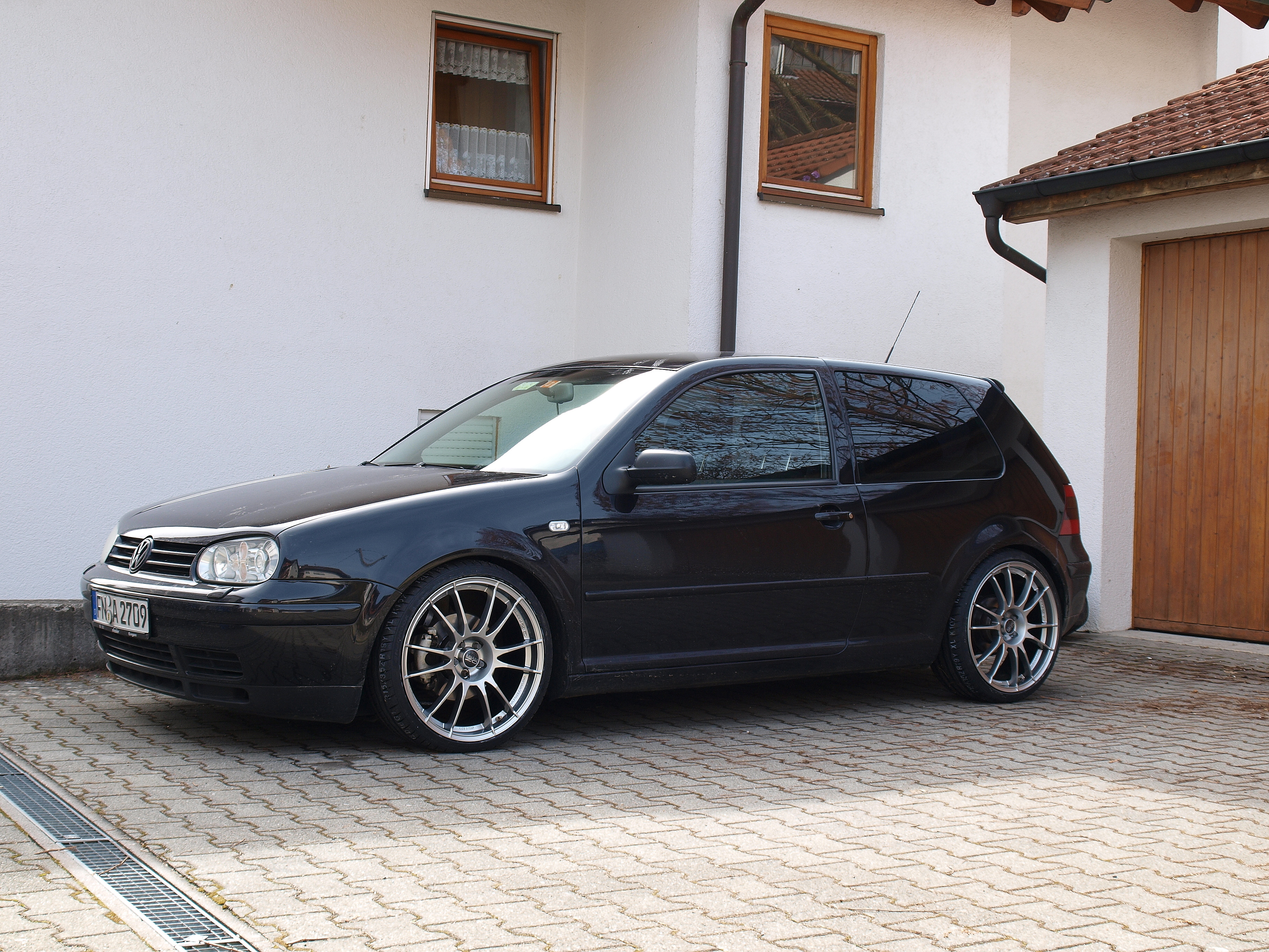 auto vw golf 4 gti tdi exclusive deine. Black Bedroom Furniture Sets. Home Design Ideas