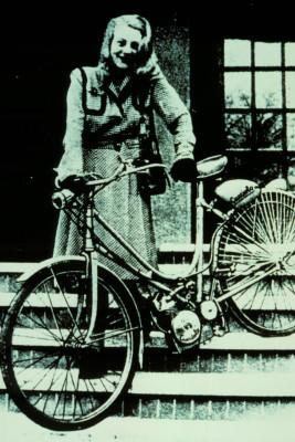 Name: mid-Gro-Gerau-Die-erste-Ducati-Cucciolo-hatte-a-213685-267x400.jpg Größe: 267x400 Dateigröße: 53770 Bytes