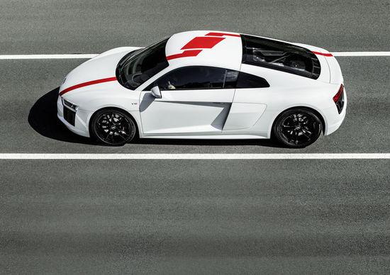 Luxus + Supersportwagen - Puristische Fahrdynamik: der neue Audi R8 V10 RWS
