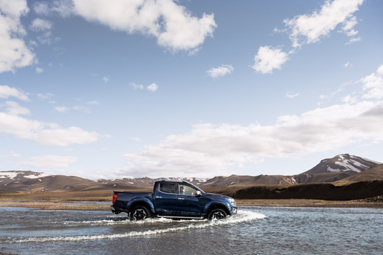 Name: Nissan_Navara_Double_Cab_Blue_Iceland_Dynamic_Offroad_13-1200x800.jpg Größe: 1200x800 Dateigröße: 282555 Bytes