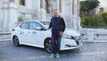 Auto - Nissan Umfrage offenbart: E-Autofahrer häufiger unterwegs als Fahrer von Verbrennern
