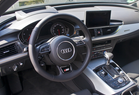 Name: Audi_A6_30BiTDI_038BD.jpg Größe: 1535x1054 Dateigröße: 1155958 Bytes